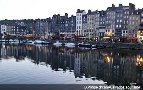 Honfleur en Calvados, source : facebook.com/calvadostourisme